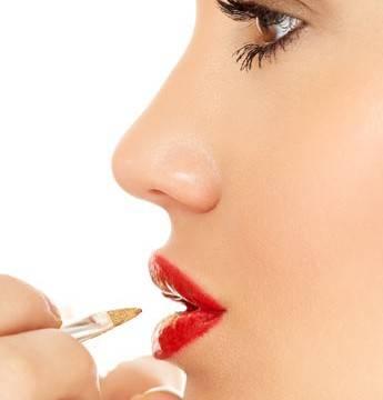 Tips para lograr un maquillaje labial duradero