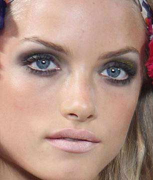 Maquillaje estilo años 60, primavera – verano 2009