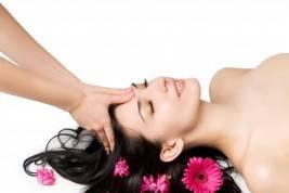 Practica del masaje facial