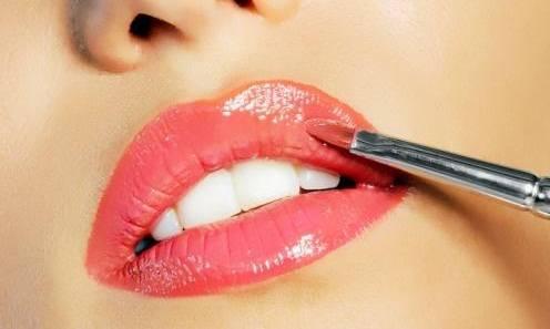 Buen uso del brillo de labios