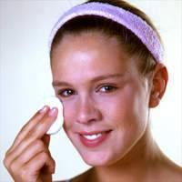 Conservar tu piel limpia con toallitas y jabón