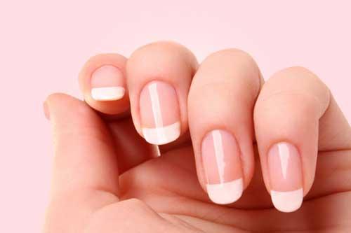 Hidratar las uñas para mantenerlas en buen estado