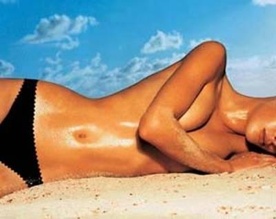 Broncearse demasiado afecta la piel